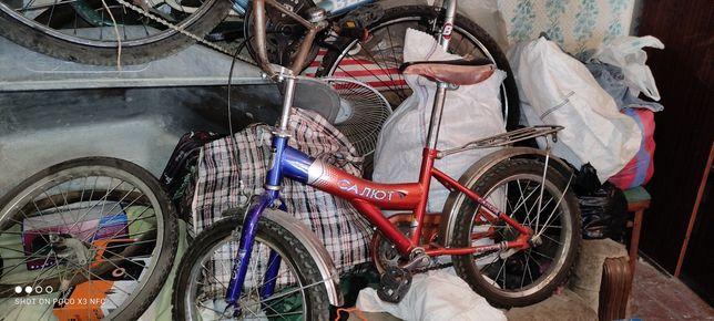 Продам велосипед стоит без дела.