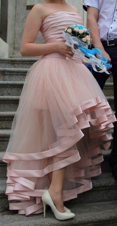 Продам сукню, вдягнена 1 раз.Підходить як на весілля так і на випускні