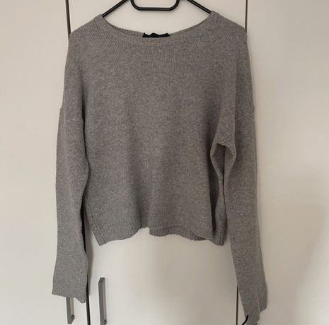 sweterek szary z wiązaniem z tyłu