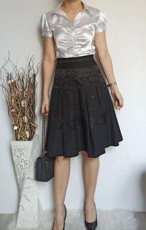 Zakładkowa czarna elegancka spódnica 40/42
