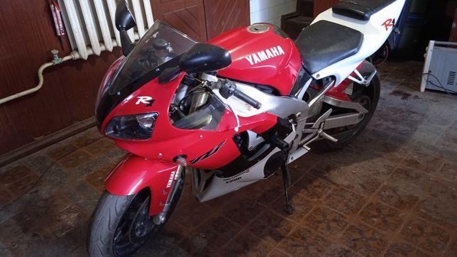 Продам Yamaha R1