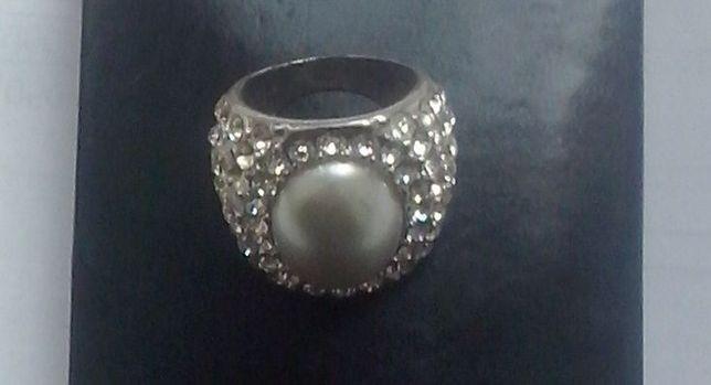 Перстень с кристаллами Сваровски