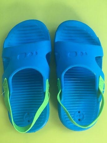 Sandalki klapki na basen plaże decathlon buty do wody