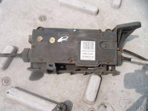 Hamulec ręczny elektryczny Renault Scenic II