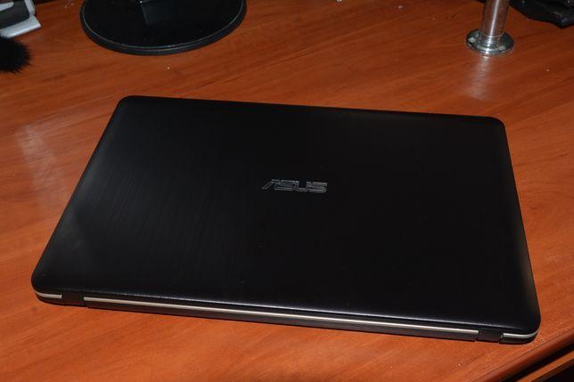 Потужний ноутбук ASUS R541UV i7-6500U ОЗУ 16ГБ DDR4