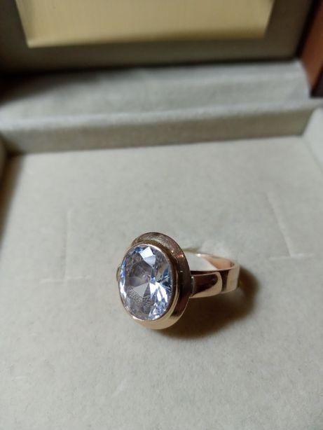 Pierścionek r.17 złoty z kryształem różowe złoto pr. 585 LOMBARD GMG
