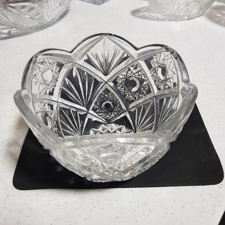 Хрусталь салатницы и вазы для цветов