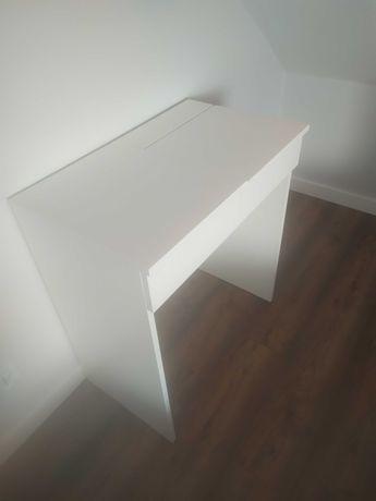 Toaletka, małe biurko z szufladą