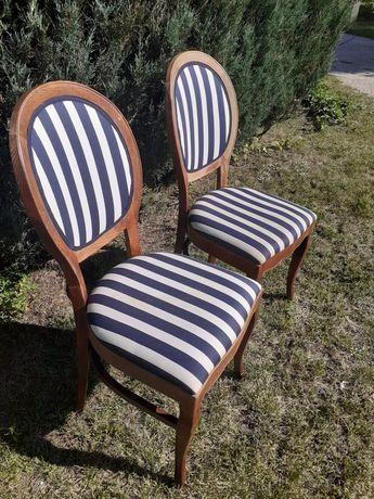 Dwa krzesła w stylu ludwikanskim z XIX wieku