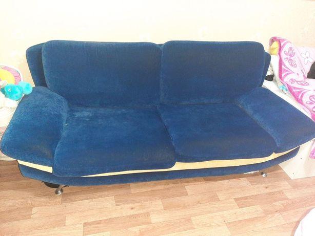 Продам диван раскладной + 2 кресла