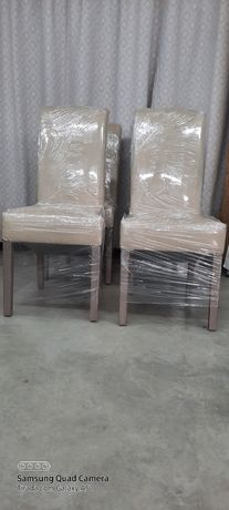 Cadeira forradas a tecido