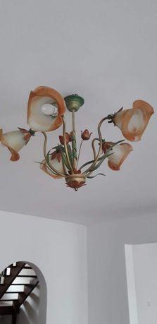 Żyrandole i lampy