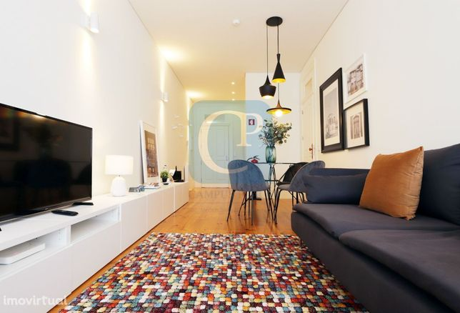 Apartamento T2 para venda próximo Praça da República - Porto