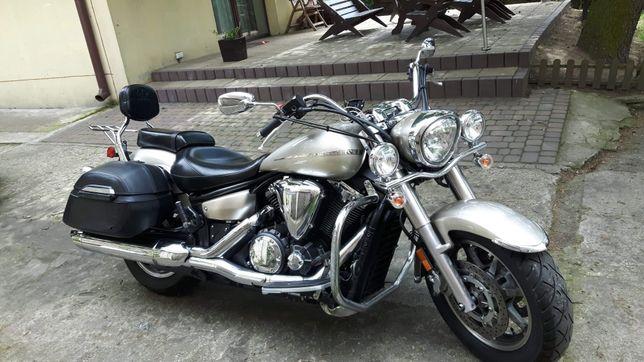 Yamaha XVS 1300 super stan