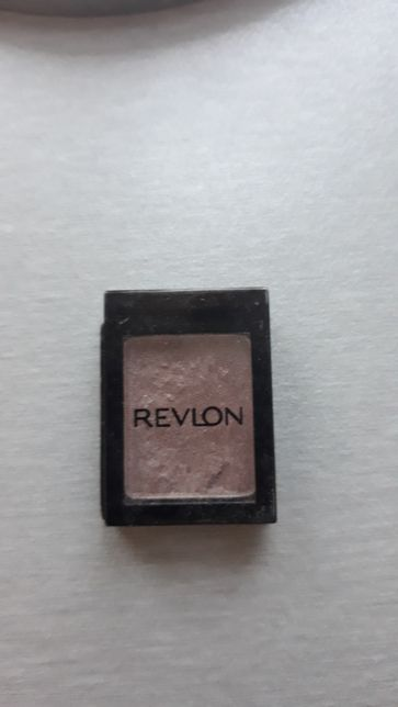 Cienie Revlon i Inglot brązowe 2 sztuki