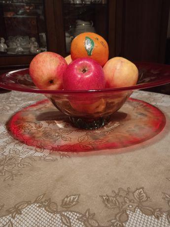 Ваза для фруктов.