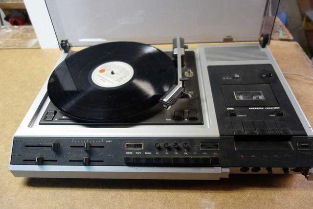 Radio, magnetofon i gramofon firmy Philips