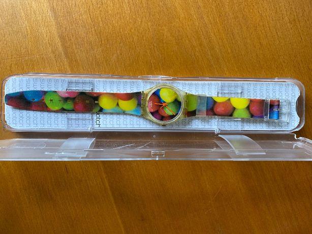 Relógio Swatch com frutas