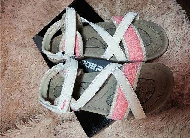 Босоножки сандалии новые кожаные спорт