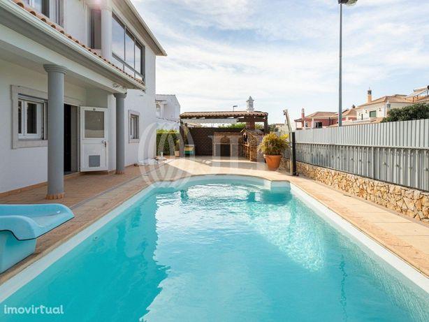 Moradia T6 com piscina e garagem, em Gambelas, Faro, Algarve