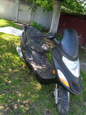 Продам максі скутер Viper F1