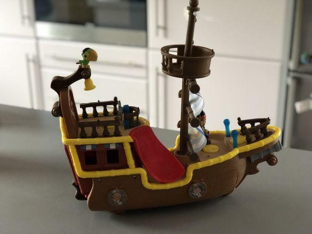 JAKE i Piraci z Nibylandii duży STATEK ŁAJBEK