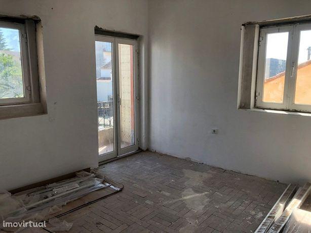 Apartamento T2 no centro de Albergaria-a-Velha em recuper...
