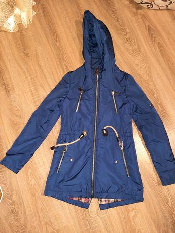 Курточка осенняя на тонком синтепоне