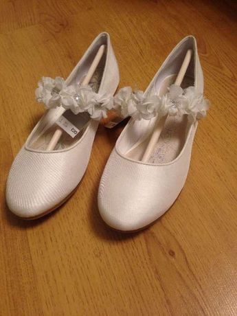 Очень милые нарядные туфли (next , новые)