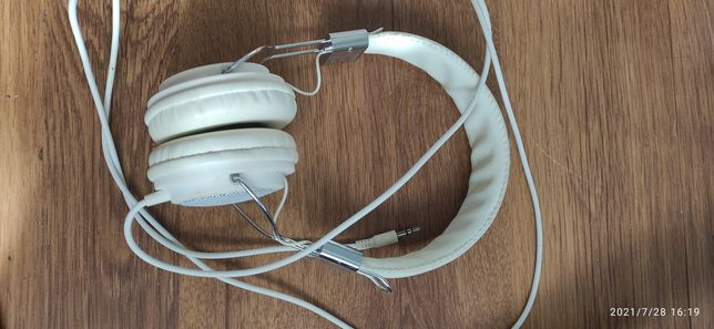 Наушники навушники белые