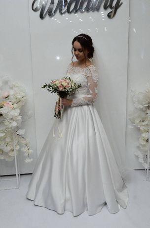 Весільна сукня , р.44-46, колір білий.