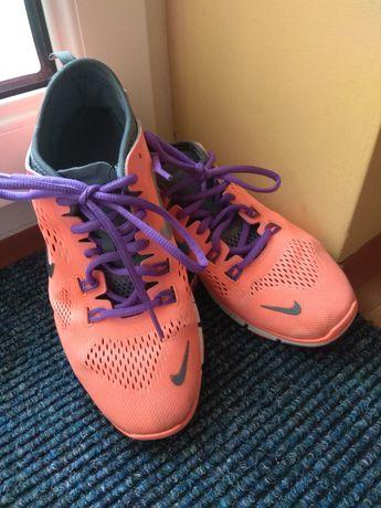 Nike dziewczęce 36 , sportowe buty , do szkoły