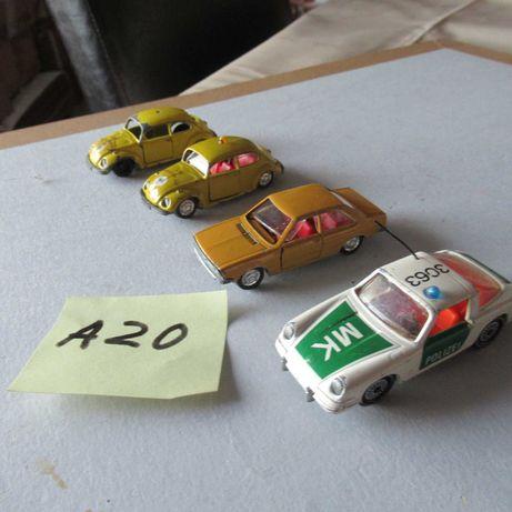 Lote A-20  3carros pequenos da Schuco 1 carro da Siku