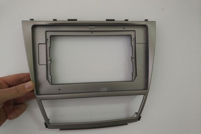 Рамка для магнитолы 10.1 дюйм на Toyota Camry 40