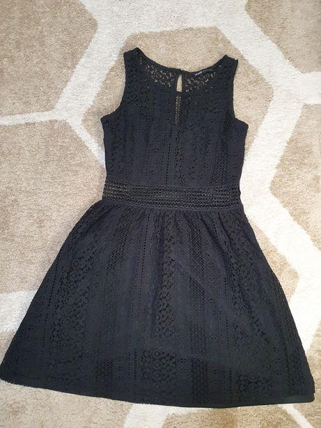 Черное кружевное платье XS
