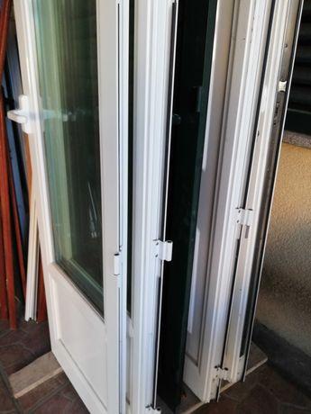 2 conjuntos de portas em alumimio (com portadas) 210x120 com estrutura