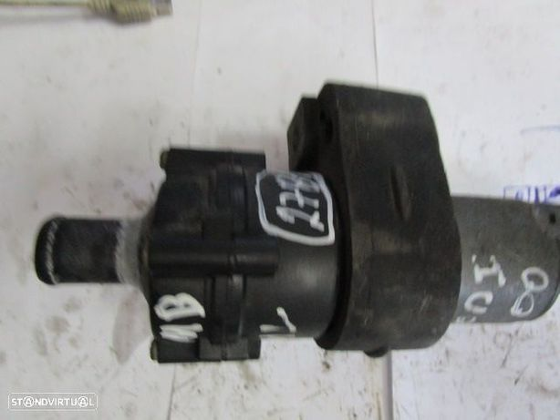 bomba agua e compressores A0018356064 0392020044 MERCEDES / W163 / 2000 / ML 270 CDI /