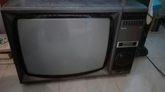 Vende se tv grande