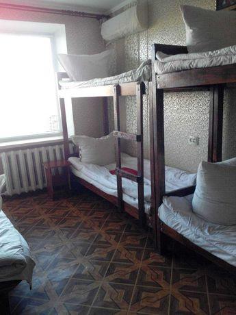 Ліжко двоярусне дерев'яне