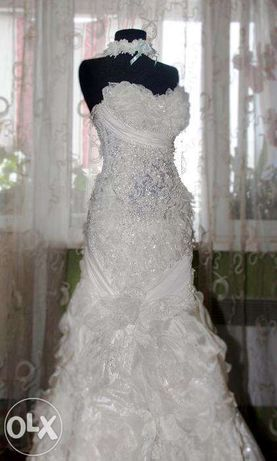 """Продам свадебное платье цвета """"Айвори"""" c перчатками"""