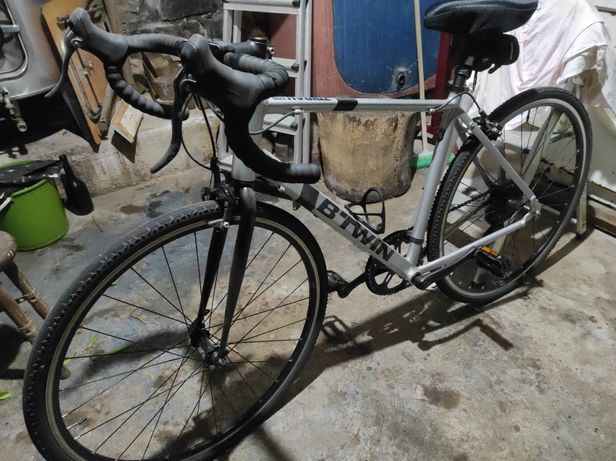 Bicicleta estrada / gravel Triban 100