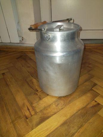 Бидон алюминиевый на 10 литров.
