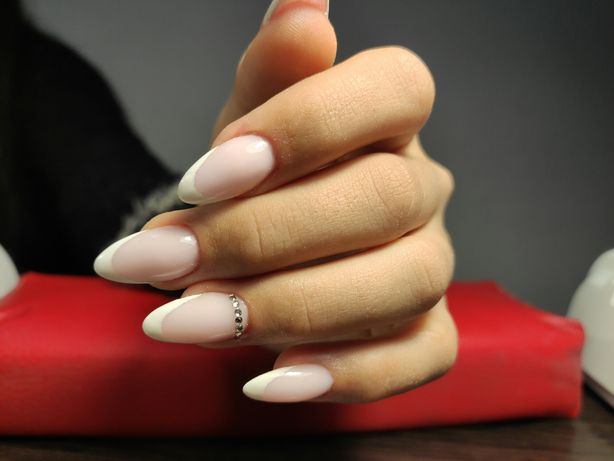 Маникюр,педикюр, наращивание ногтей, покраска и коррекция бровей