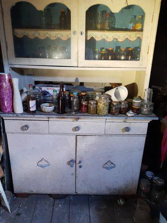 Stary kredens kuchenny