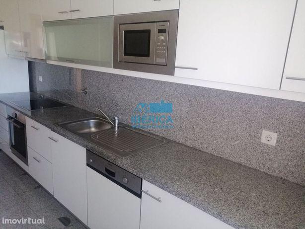 Apartamento t2 situado em Coimbrões