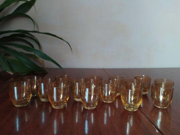 Склянки, стакани, рюмки