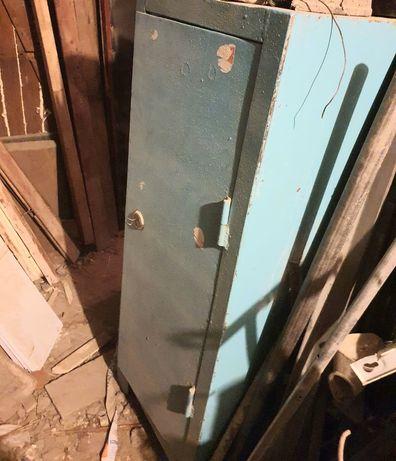 Металлический сейф с возможной доставкой