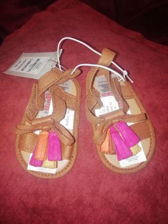 Обувь, босоножки для девочки 3-6месяцев