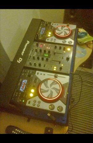 Conjunto DJ pioneer DJ 400 cdjs e mixer