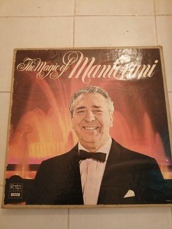 Vendo caixa com 6 LP